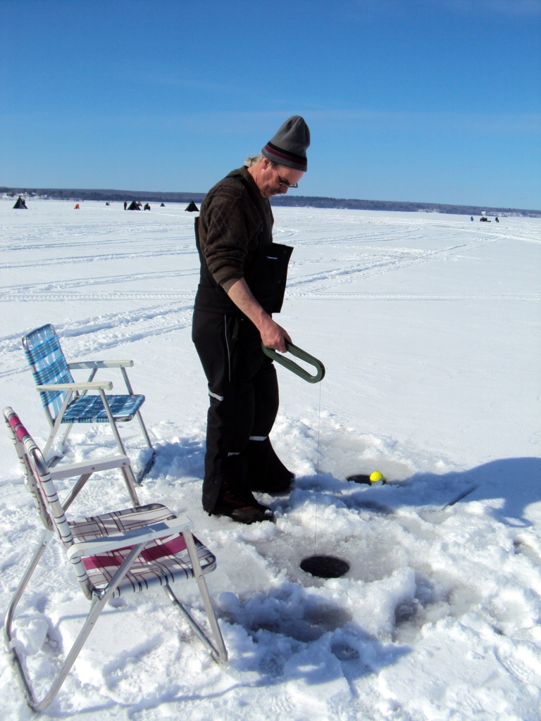 how to catch fish when ice fishing