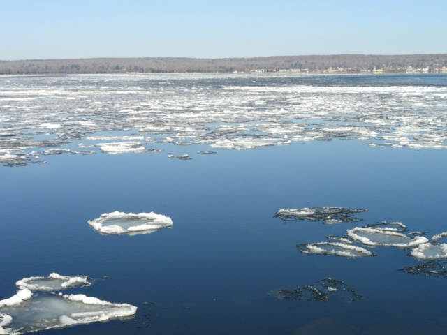 Ice breaking up on the Keweenaw Bay